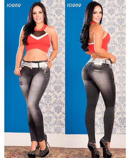 Pantalones colombianos levanta cola