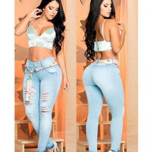 Jeans levanta cola colombianos en Mostoles