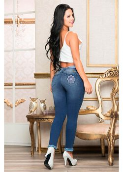 Jeans levanta cola colombianos